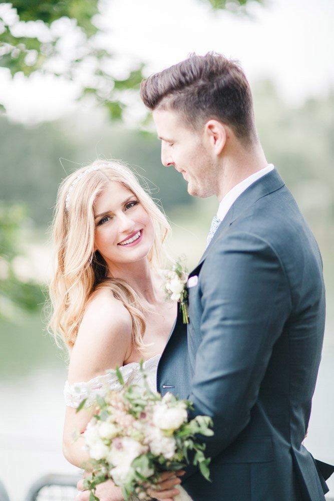 Hochzeitsfotografie Frankfurt, heiraten im Schloss Rumpenheim, kirchlich heiraten in Wiesbaden