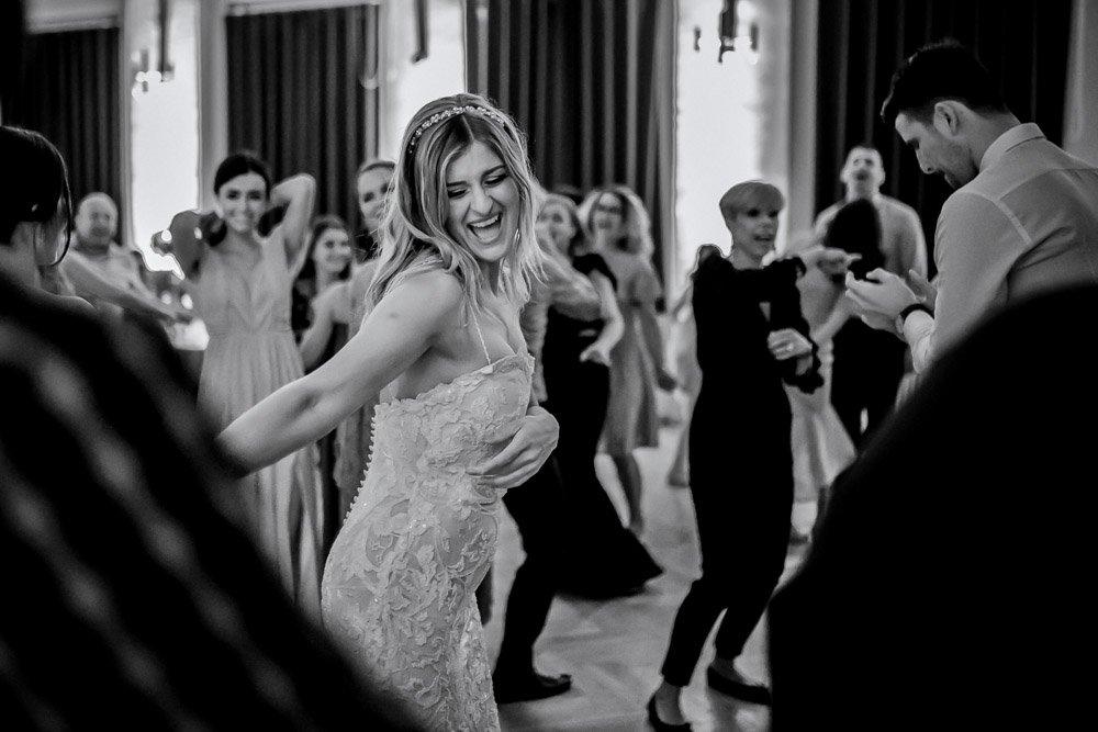 Kroatische Hochzeit mit serbischen Traditionen in Wiesbaden, Hochzeitsfotograf Frankfurt, Hochzeitslocation Klassikstadt